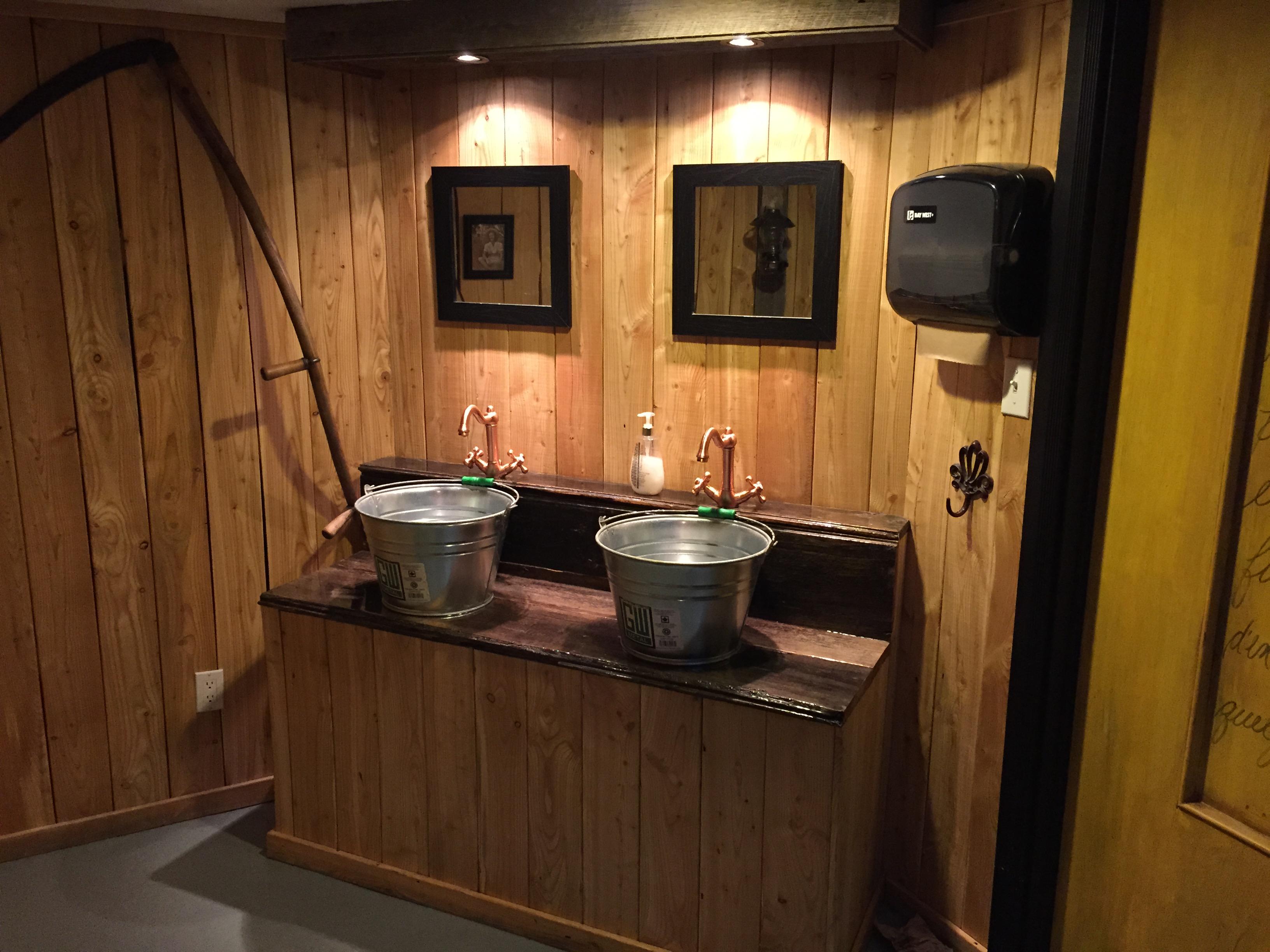 Salle d'eau rustique